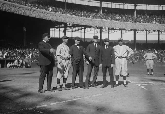 1280px-Players_and_umps_at_1921_World_Series.jpg