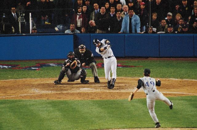 2001-World-Series-Game-4-Derek-Jeter-001241858_0.jpg