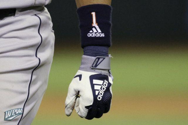 Carlos-Correa-Glove-Cleats-Batting-Gloves-Bat-17-1024x683.jpg
